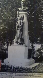 Chalon_évolution Monument Du Docteur Mauchamp. 1