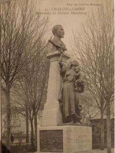 Chalon_évolution Monument du Docteur Mauchamp. 2