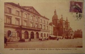 Chalon_Place de lHôtel de Ville. 8