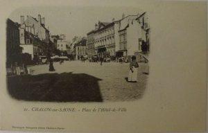 Chalon_Place de l'Hotel de ville. 7